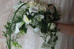 H 12  Brautstrauß, abfließend