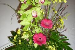 ST 7 Dekorativer, aufgebauter Strauß mit Orchidee